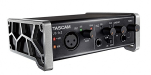 Tascam EE.UU.-1X2 1-A_2