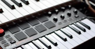 mejores-teclados-midi